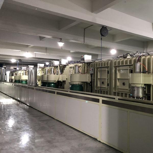 立式EMI磁控镀膜生产线